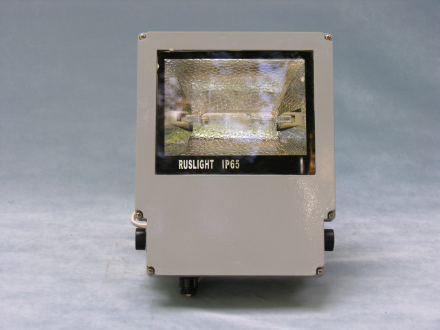 Прожектор металлогалогенный R-t 381, 150Вт, ассиметричная оптика